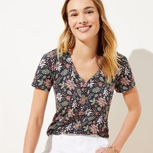 NWT GARDEN EVERYDAY V-NECK TEE